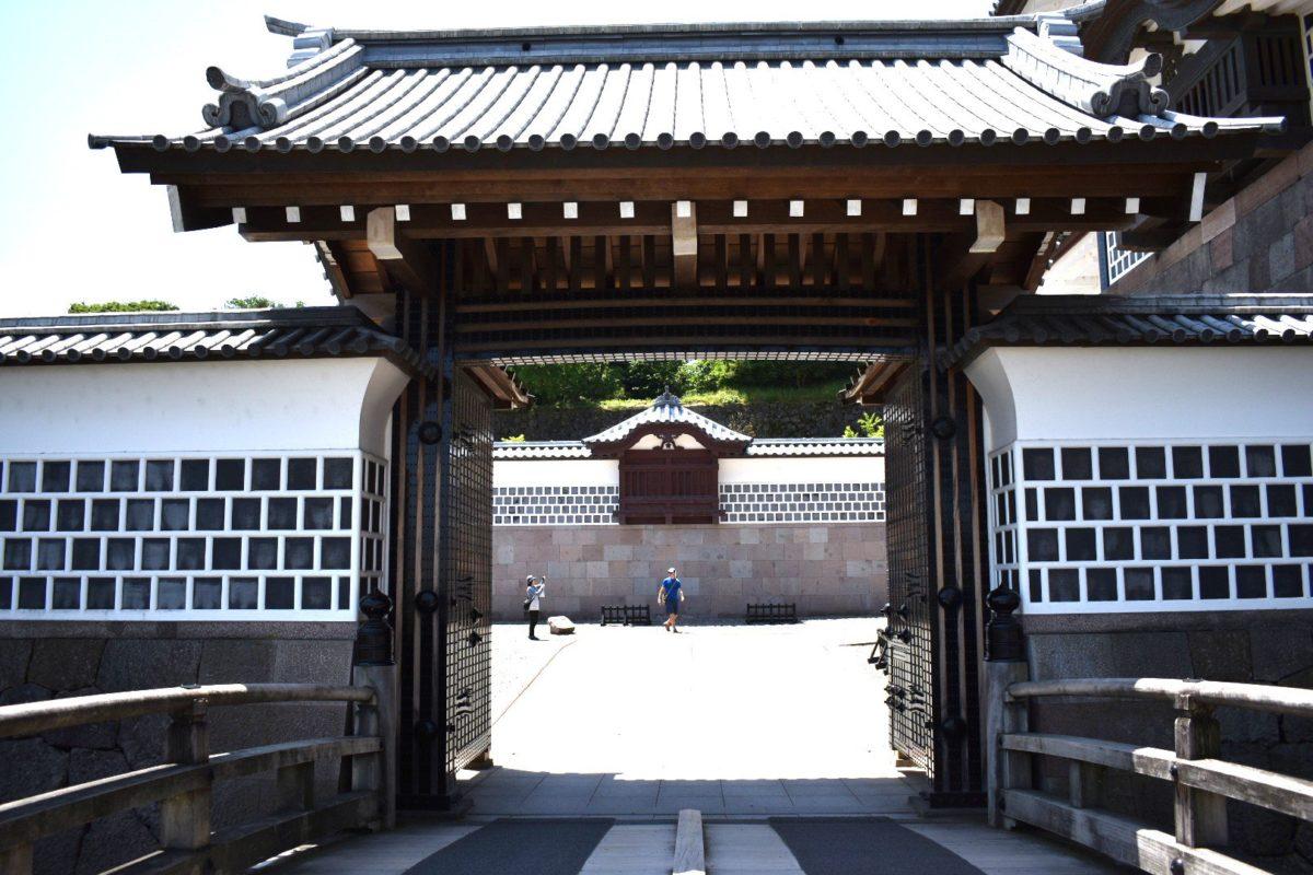 橋爪門の一の門