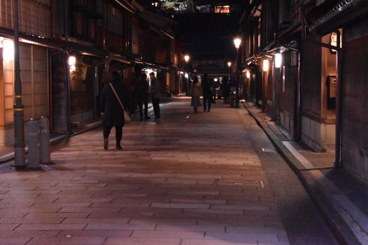夕暮れ時の街並み