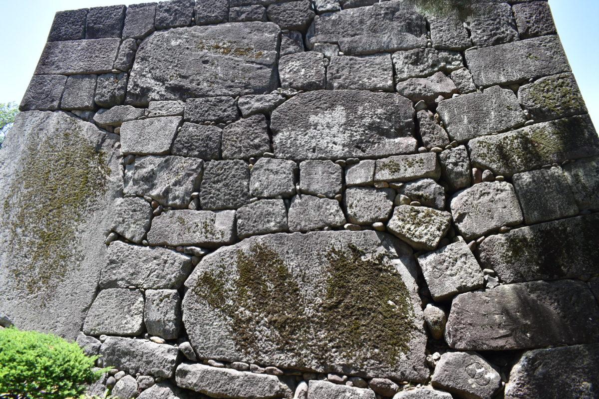 大手堀の石垣