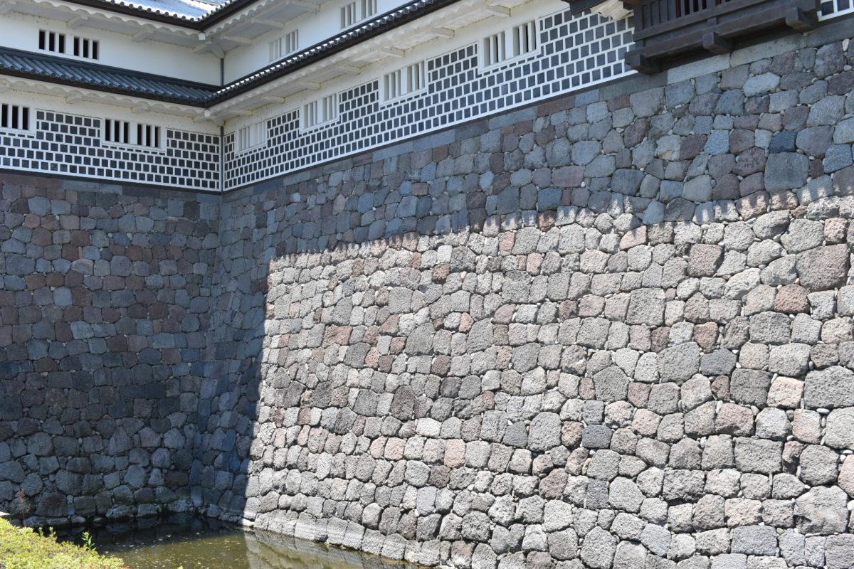 菱櫓・五十間長屋・橋爪門続櫓の石垣