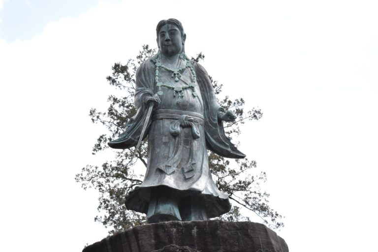 ヤマトタケル像 アイキャッチ